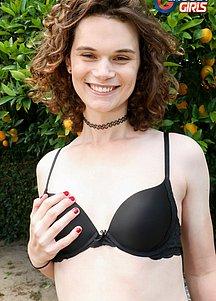 Nicole Knight